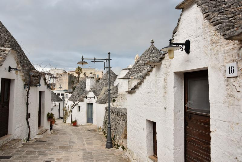 Уникальные дома Trulli Alberobello стоковые фото