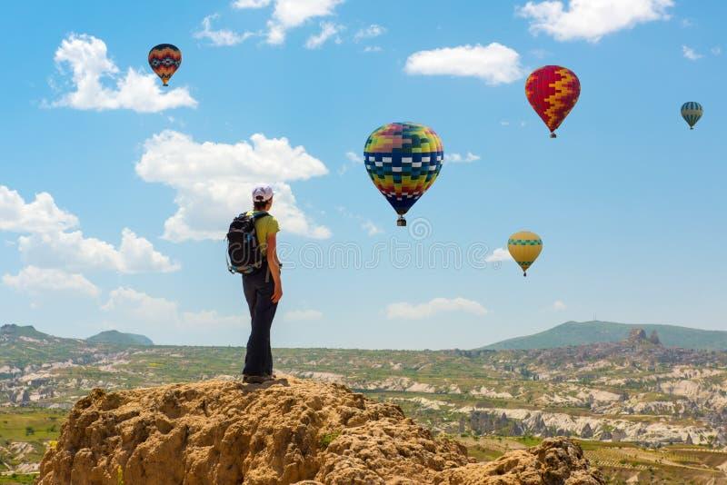 Успешная женщина и горячая мотивация концепции воздушного шара, воодушевленность стоковые изображения