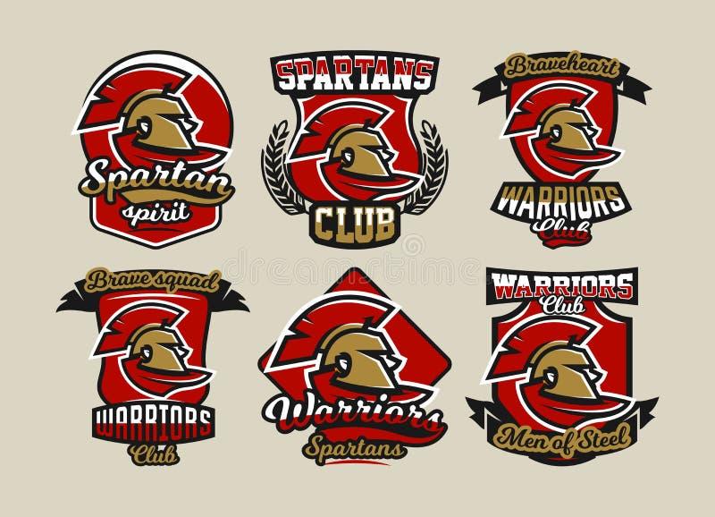 Установите красочных логотипов, эмблем, спартанского шлема и плаща, воина древнегреческого, римского солдата, различных шрифтов иллюстрация вектора