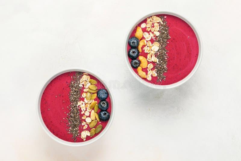 Шар Smoothie с свежими ягодами стоковые фотографии rf