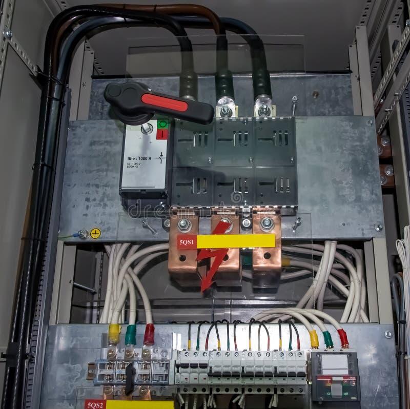 Шкаф переключателя с 0 переключатель 4 kV стоковое изображение rf