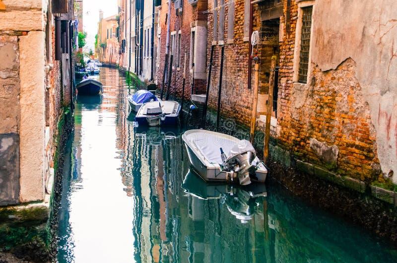 Шлюпки спать в Венеции стоковые фотографии rf