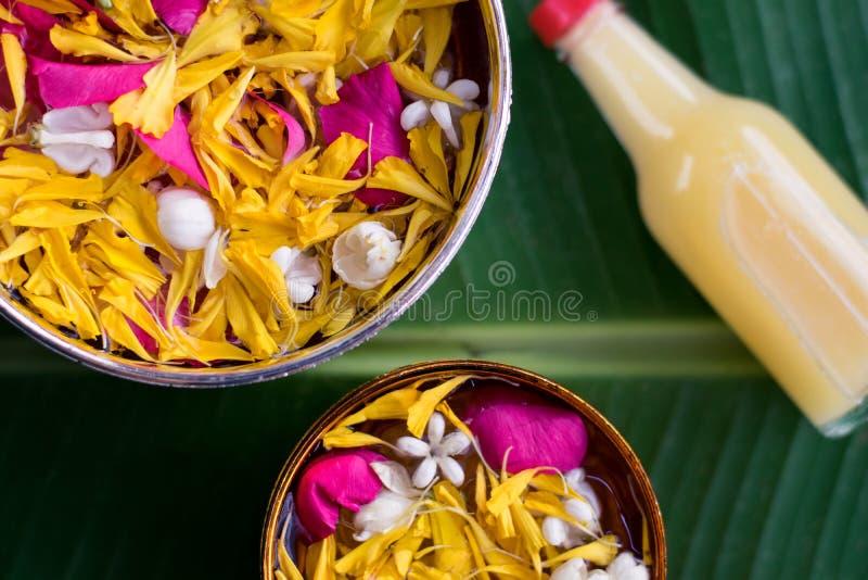Тайское традиционное для фестиваля Songkran стоковые изображения rf
