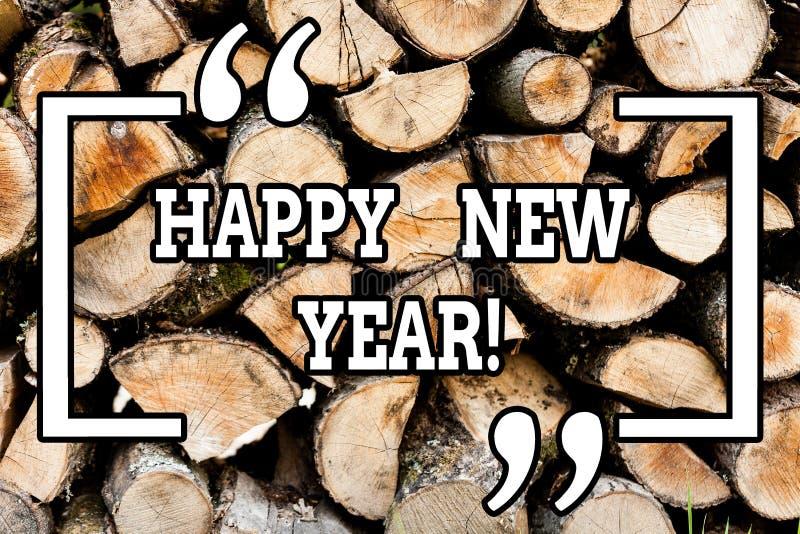 Текст почерка писать С Новым Годом! Концепция знача Xmas поздравлениям веселый каждый начинать от января деревянный стоковые фото