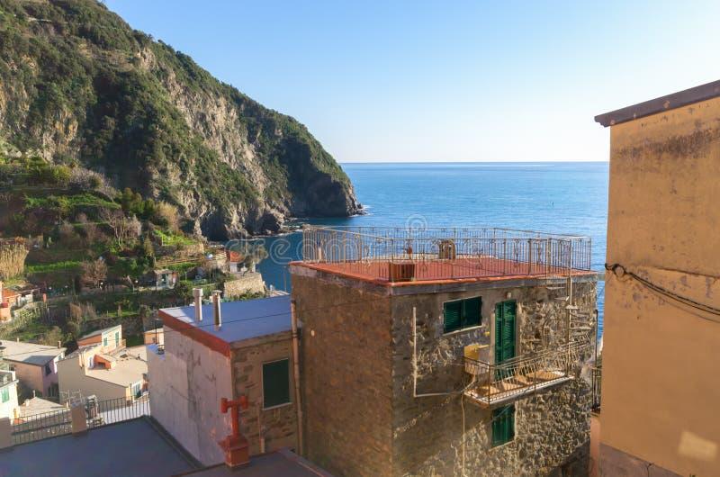 Терраса с видом море в доме в Riomaggiore, terre 5 Италия Лигурия стоковое фото rf