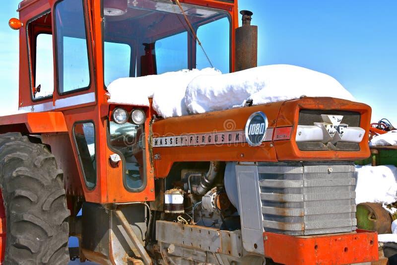 Трактор 1080 Massey Ferguson стоковые изображения rf