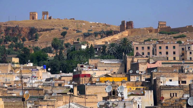 Традиционная обрабатывая кожаная дубильня в Fes, Марокко стоковая фотография