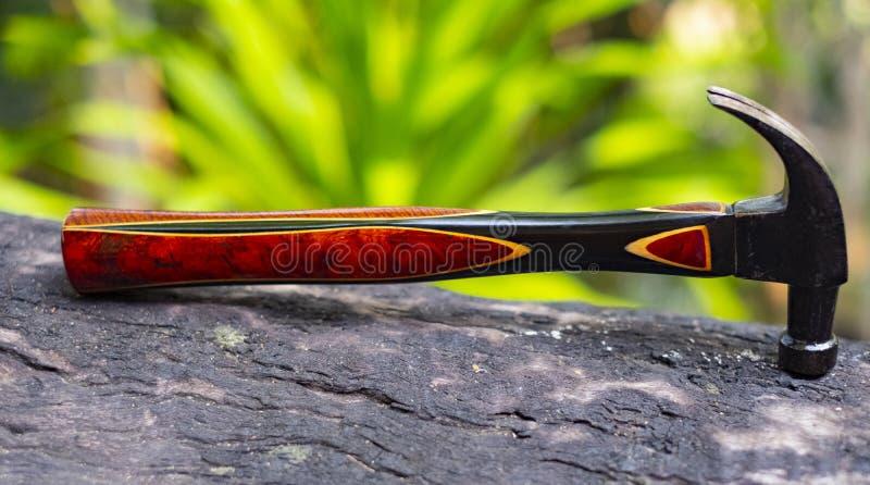 Традиционный изогнутый молоток с раздвоенным хвостом стоковые фото