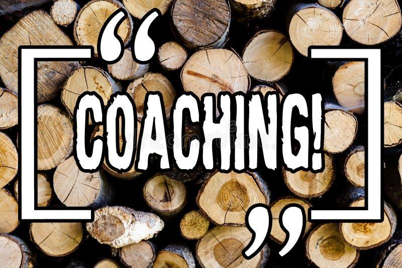 Тренировать текста сочинительства слова Концепция дела для жесткой тренировки начинает к imrove вашу древесину года сбора виногра стоковые фото