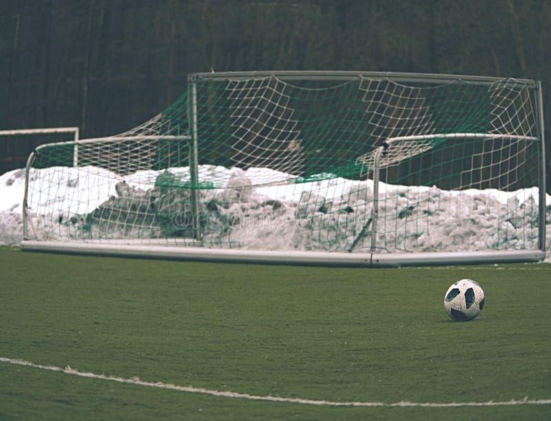 Тренировка футбольного поля оборудования футбола стоковое изображение rf