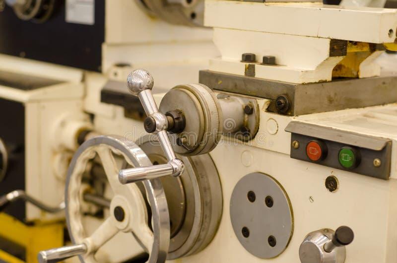 Токарный станок металла или токарный станок механической обработки стоковые фото