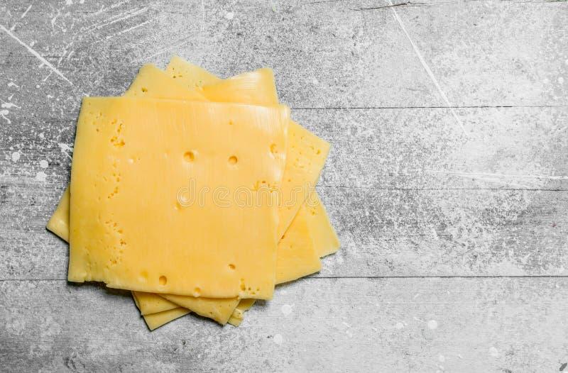 Тонкие ломтики сыра стоковая фотография rf