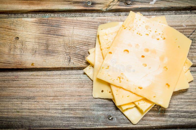 Тонкие ломтики сыра стоковое фото