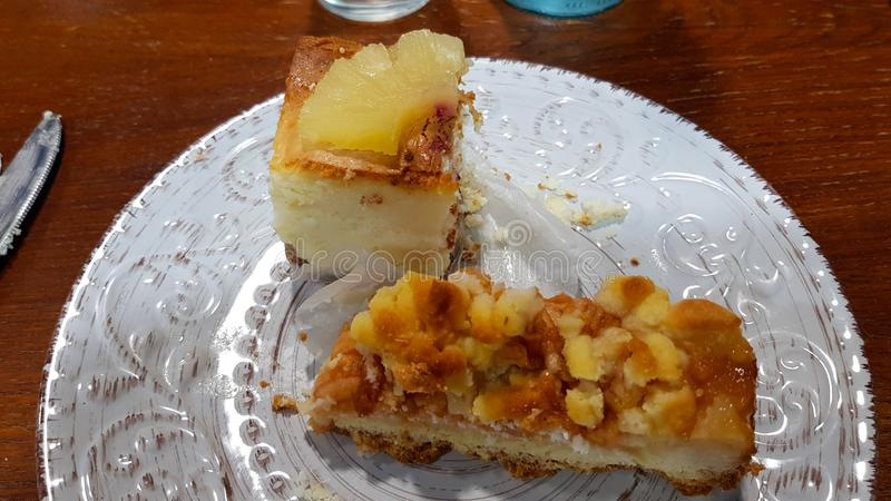 Торт и яблочный пирог ананаса стоковые фото