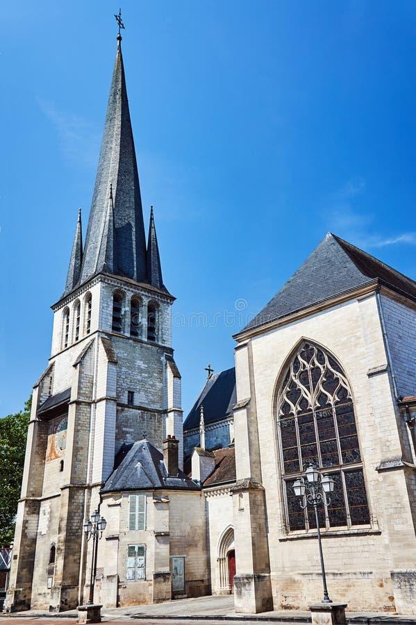 Фасад исторической, средневековой церков в городе Труа стоковое изображение