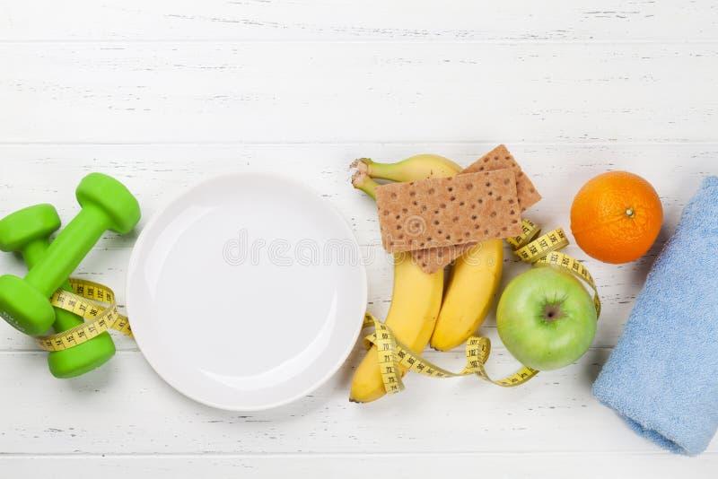 Фитнес и здоровая концепция еды стоковые фотографии rf