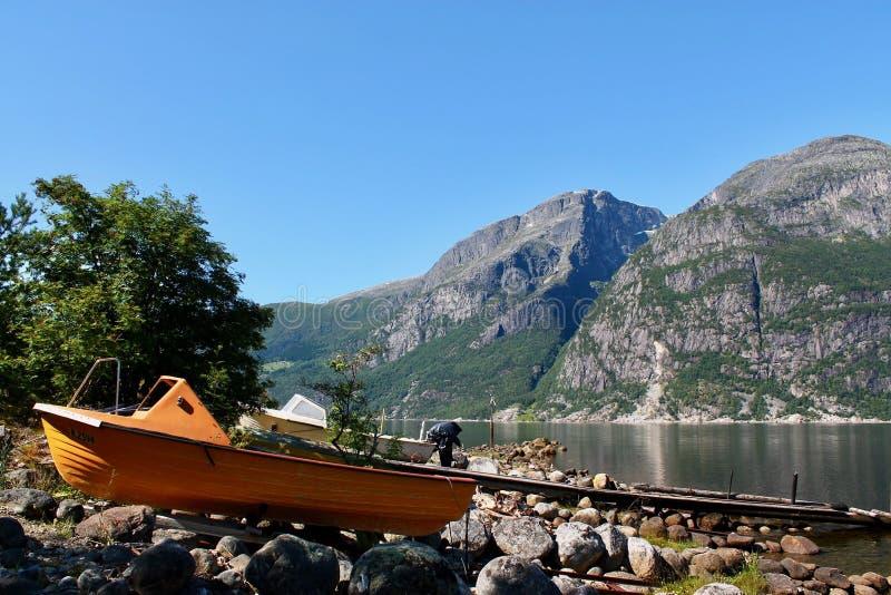 Фьорды в Eidfjord, Норвегии стоковое изображение rf