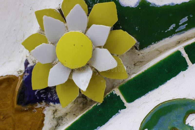Цветочный узор сделанный из плиток стоковые изображения