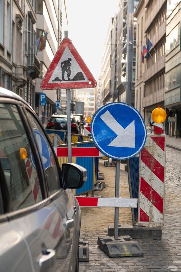 Центр города знаков дорожной работы стоковые изображения rf