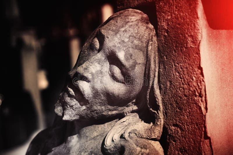 Часть античной статуи страдание конца Иисуса Христа вверх античной статуи Традиция вероисповедания стоковые изображения
