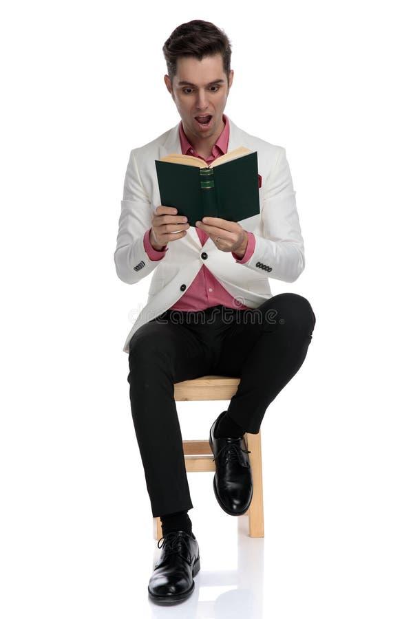 Чтение выходит стоковые изображения