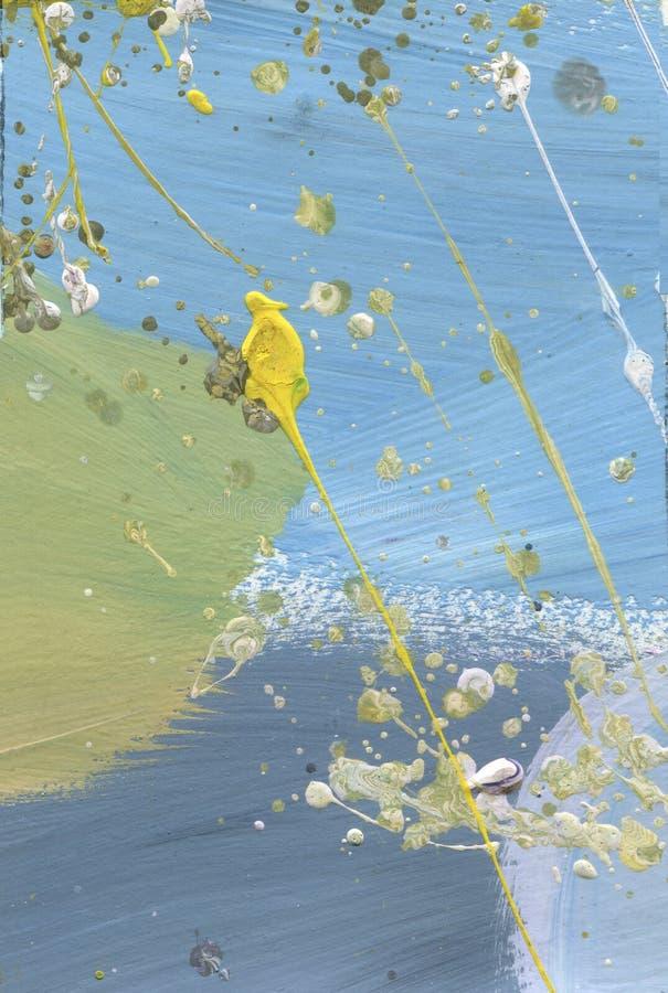 Холст акварели замученный конспектом Влияние пустыни акриловое брызгает ручной работы желтый цвет краски и голубую текстуру Облач стоковая фотография rf