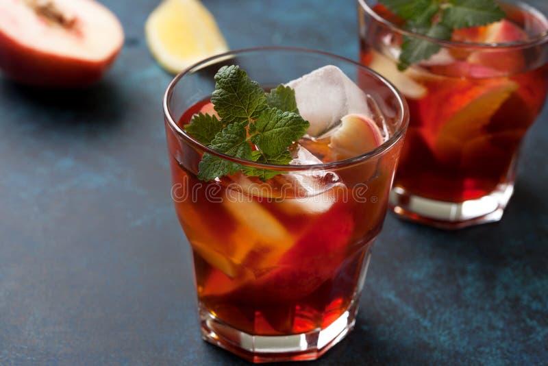 Холодный персик чая стоковое фото