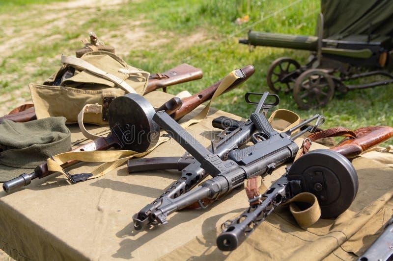 Различные оружия винтовки Второй Мировой Войны стоковые изображения rf