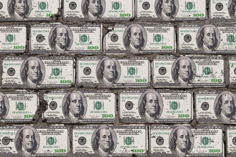 Реалистическая стена блоков в форме 100 долларов Кирпичи от концепции искусства денег стоковые изображения rf