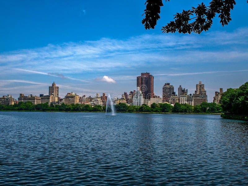 Резервуар Жаклин Кеннеди Onassis в центральном парке - Нью-Йорке стоковая фотография rf