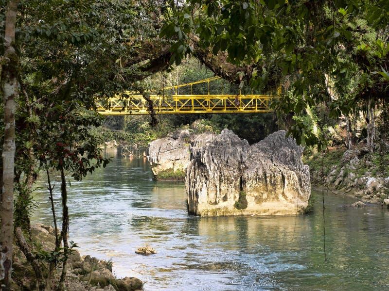 Река Cahabon, формирует многочисленные каскады, champey Semuc, Гватемалу стоковые изображения