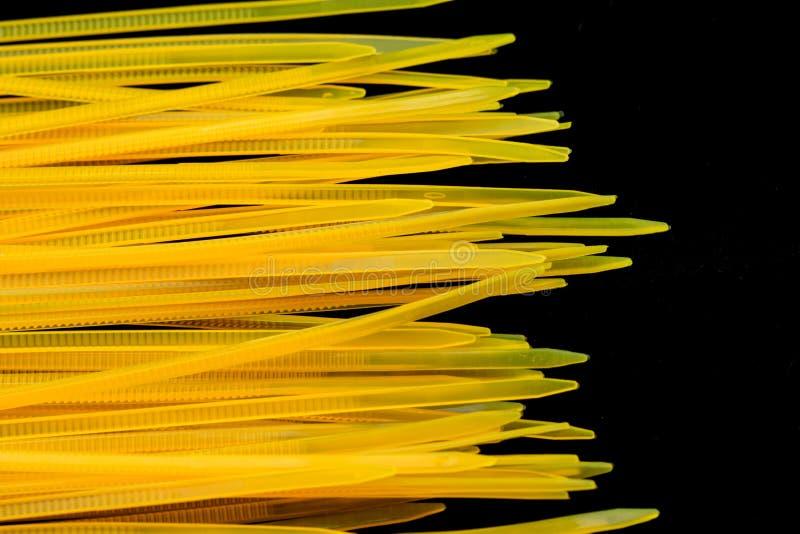 Żółci nylonu kabla krawaty obrazy stock