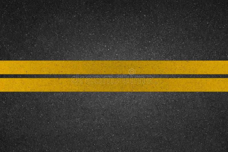 Żółta linia na drodze obraz royalty free