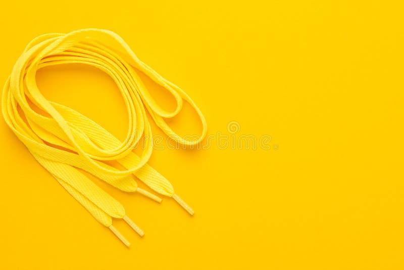 Żółte obuwiane koronki fotografia stock