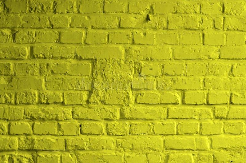 Download Żółty Ceglany tło zdjęcie stock. Obraz złożonej z szorstki - 53786130