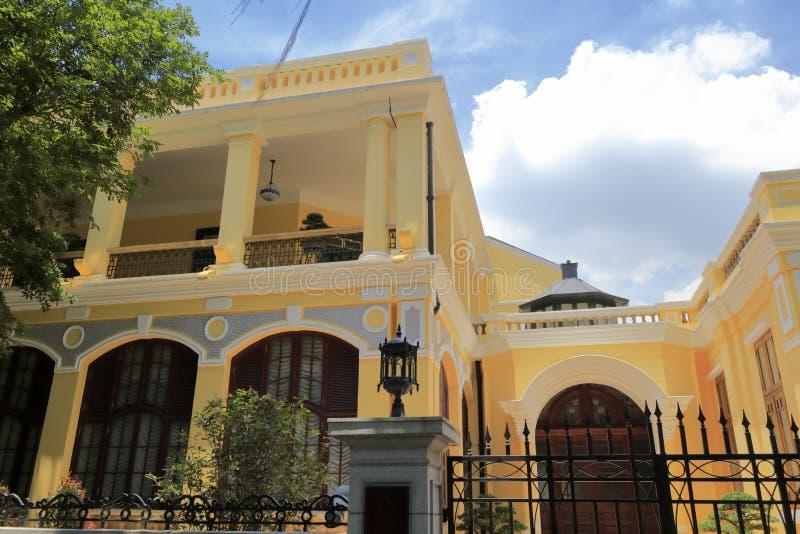 Żółty dom Guangzhou dyplomatyczny klub fotografia royalty free