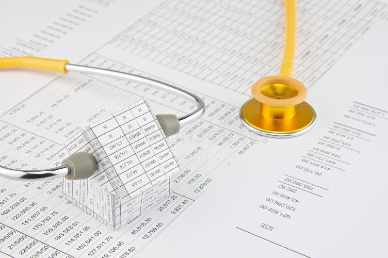Download Żółty I Złocisty Stetoskopu Nękania Dom Zdjęcie Stock - Obraz złożonej z nikt, srebro: 53776258