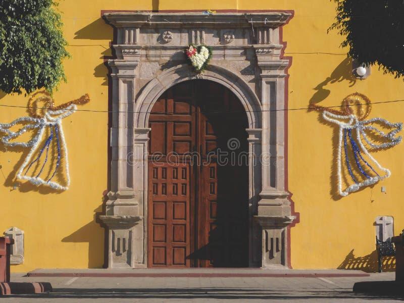 Żółty kościoła obraz royalty free