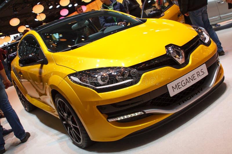 Żółty Renault Megane R S Lemański Motorowy przedstawienie 2015 zdjęcie stock