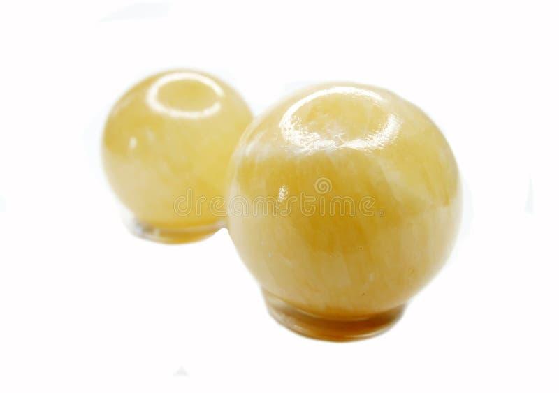 Żółtych kalcyt sfer geological kryształy zdjęcie royalty free