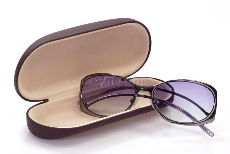 Óculos de sol no caso do espetáculo fotografia de stock royalty free