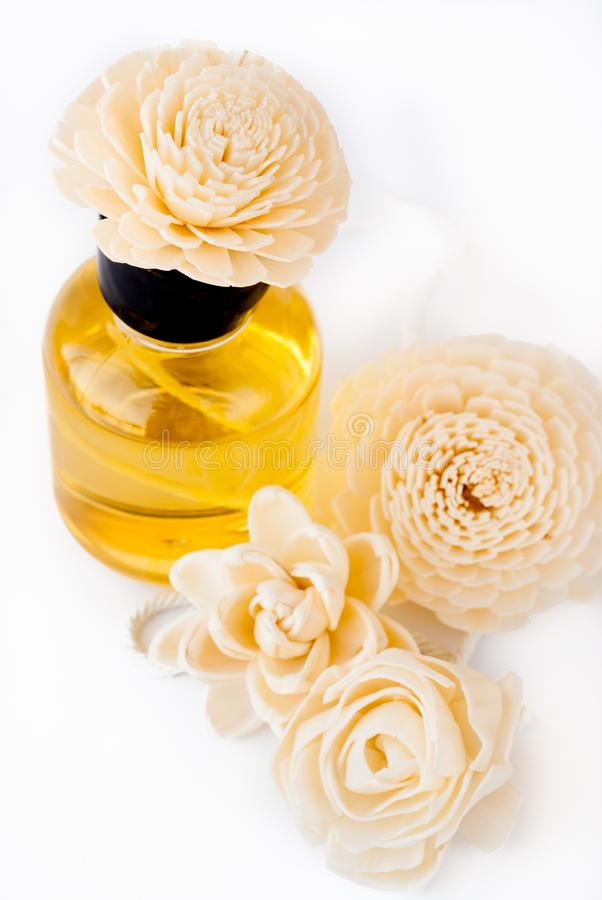 Óleo essencial com flor feito a mão Reed Diffusers foto de stock royalty free