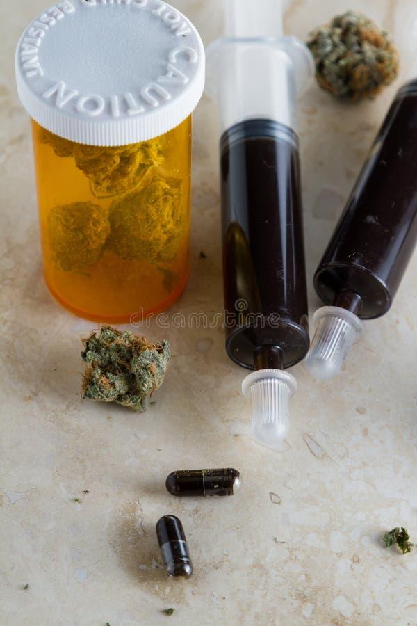 Óleo essencial feito do cannabis medicinal imagem de stock