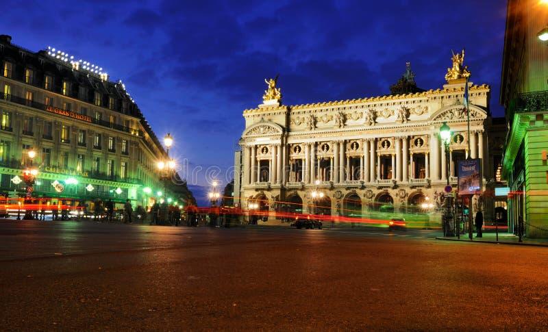 Ópera em Noite, Paris fotografia de stock royalty free