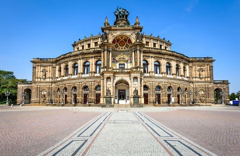 Ópera en Dresden, Alemania imagen de archivo