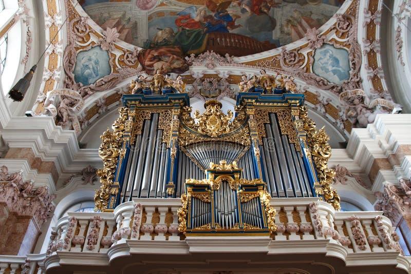 Órgão de tubulação barroco em Innsbruck, Áustria fotos de stock royalty free