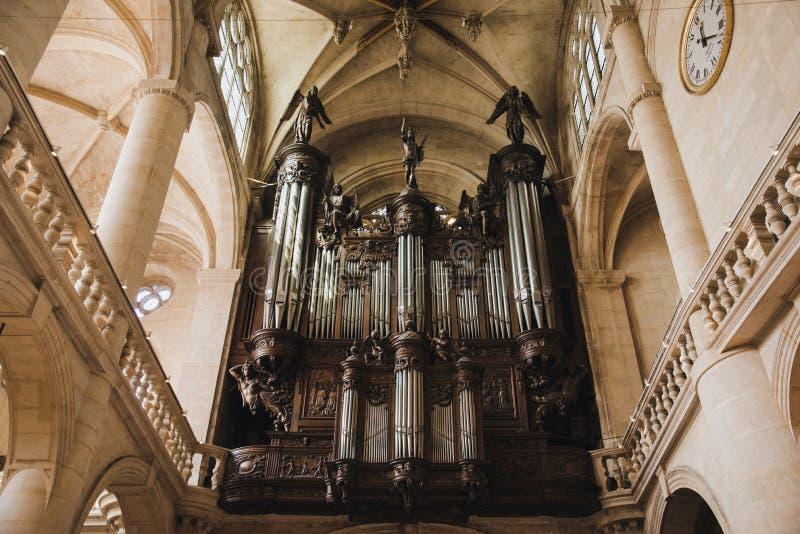 Órgano de St. Etienne du Mont Church imagen de archivo