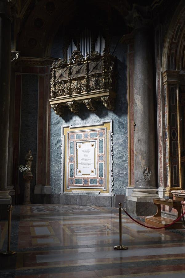 Órgano en la iglesia fotografía de archivo libre de regalías