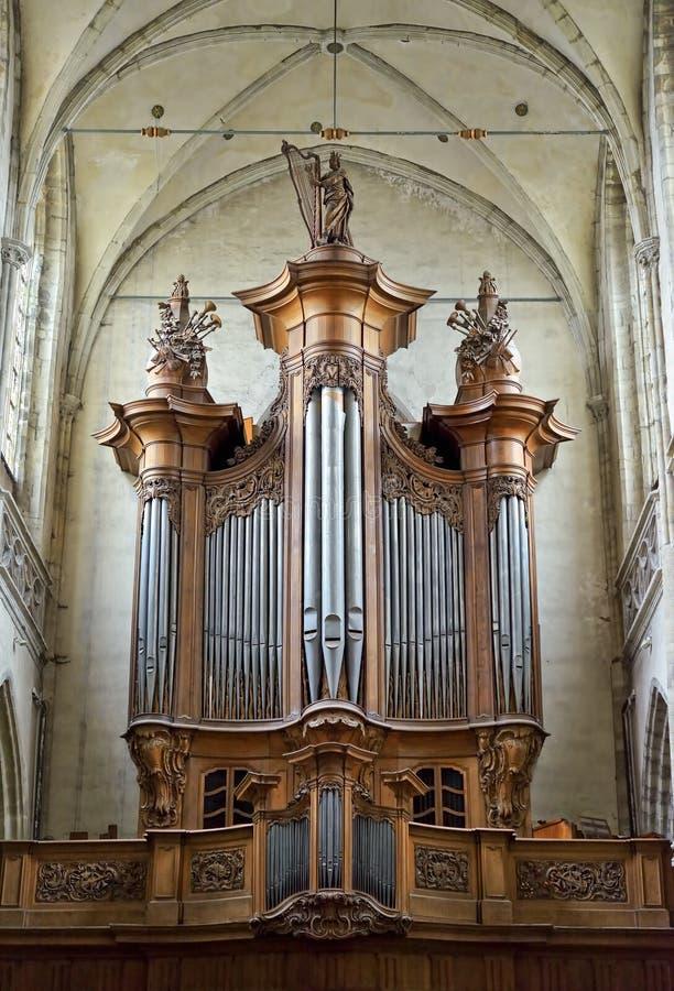 Órgano en la iglesia colegial San Martín foto de archivo libre de regalías