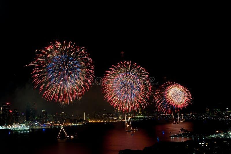 ô do indicador dos fogos-de-artifício de julho Macys imagens de stock